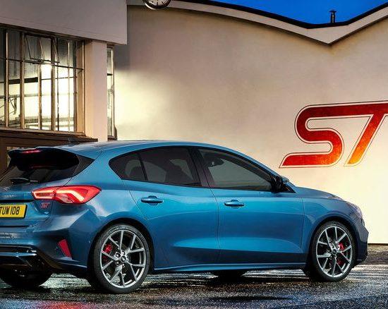 Ford Focus ST mit Styling Paket (Vollausstattung) für 359 € brutto/ Monat